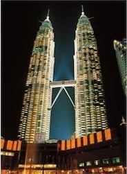 TWIN TOWERS, MALAYSIA 500 PIECE PUZZLE GLOW-IN-THE-DARK